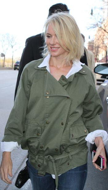 Naomi-Watts-khaki-jacket-grazia-daily